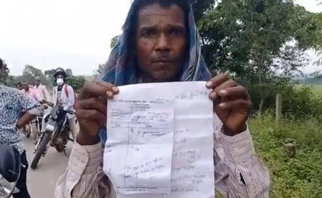 बेरहम पुलिस ! बीमार महिला को पुलिसवालों ने नहीं ले जाने दिया अस्पताल, रास्ते में तोड़ा दम