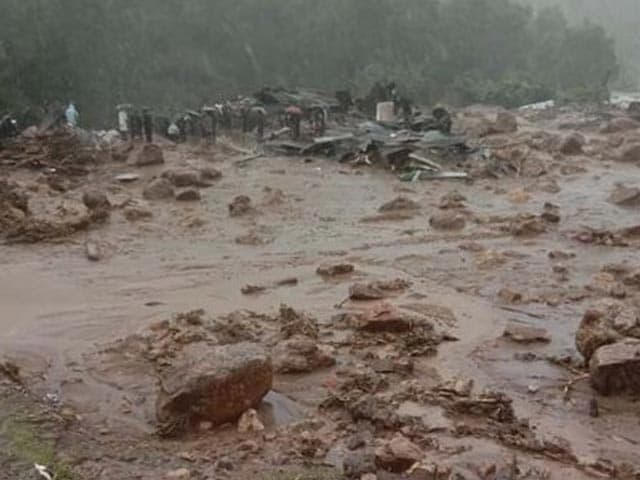 Video : Top News Of The Day: 15 Dead In Landslides After Heavy Rain Hits Kerala