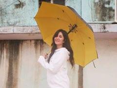 कैटरीना कैफ बारिश में छतरी लेकर निकलीं, बोलीं- अगर मेरे पास छतरी नहीं होती तो...देखें Photo