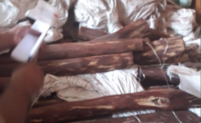 अमरोहा की अनवरी हवेली से 50 करोड़ रुपये की चंदन की लकड़ी बरामद
