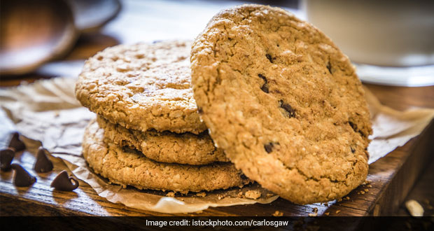 High-Protein Diet: Replace You Regular Tea-Time Cookies With These Healthy Oatmeal Biscuits