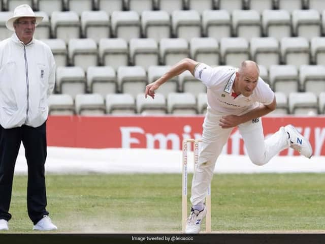 """Watch: Leicestershire Handed 5-Run Penalty After """"Shocking"""" Throw From Bowler"""