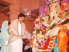 Ganesh Chaturthi 2020: Akshay Kumar, Priyanka Chopra, Abhishek Bachchan And Other Celebs Hope To 'Tide Over Difficult Times'