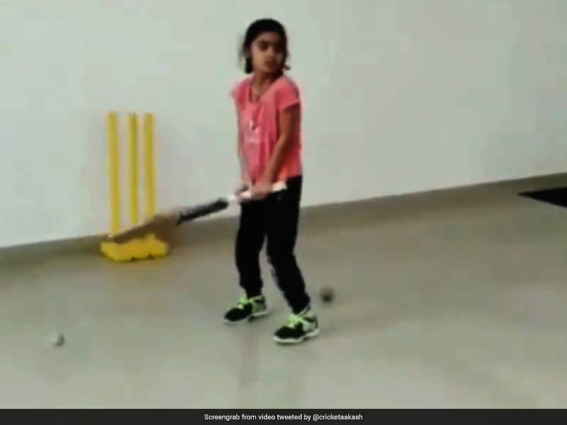 7-Year-Old Girls Helicopter Shots Have Twitter Thinking Of MS Dhoni. Watch