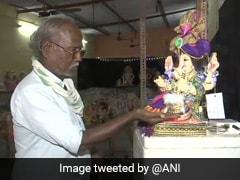 """Mumbai Artist Making """"Sanitiser Idols"""" For <i>Ganesh Chaturthi</i> Amid COVID-19"""