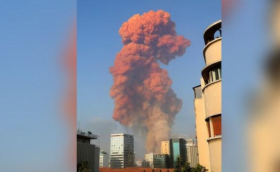 लेबनान की राजधानी बेरूत में भीषण धमाका, कई लोग घायल- देखें दिल दहला देने वाला VIDEO