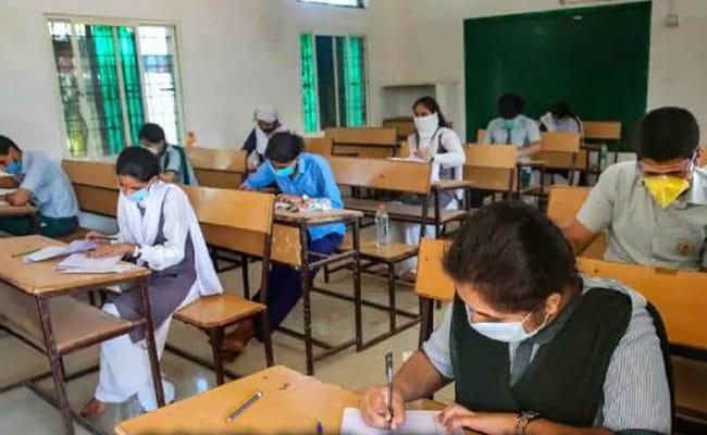 असम में ऑड-ईवन सिस्टम के साथ सोमवार से फिर से खुलेंगे स्कूल