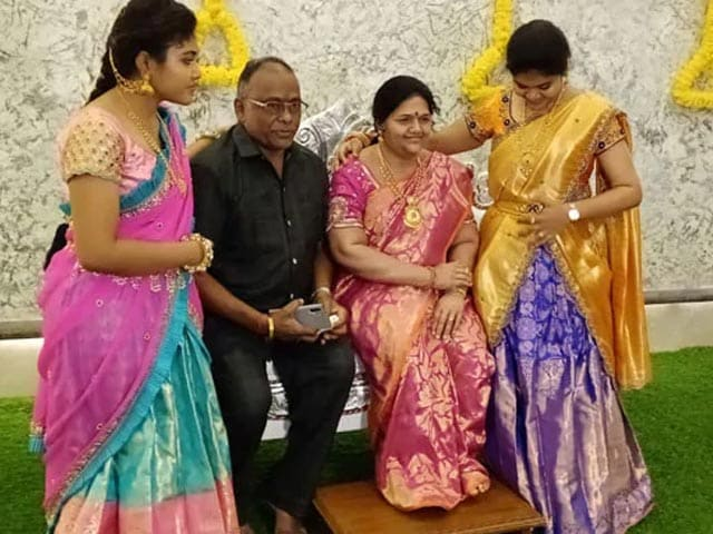Video : Karnataka Industrialist Stuns Guests With Startlingly Lifelike Statue Of Wife