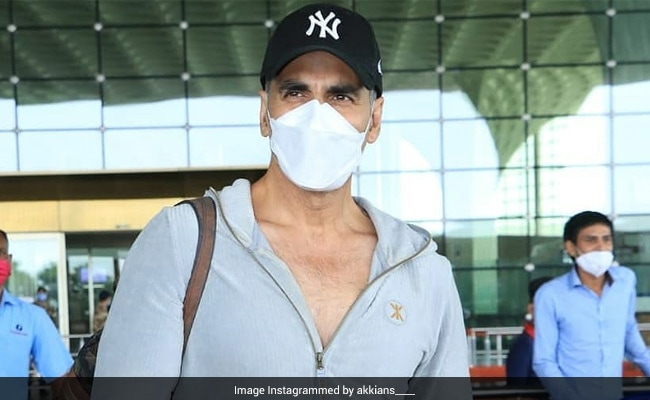 Akshay Kumar And Family Fly To London For Bell Bottom; Keep Distance, He Tells Paparazzi