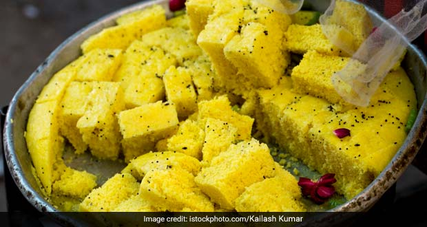 Make Instant Dhokla In A Glass That Too Without Steamer, Here's How!
