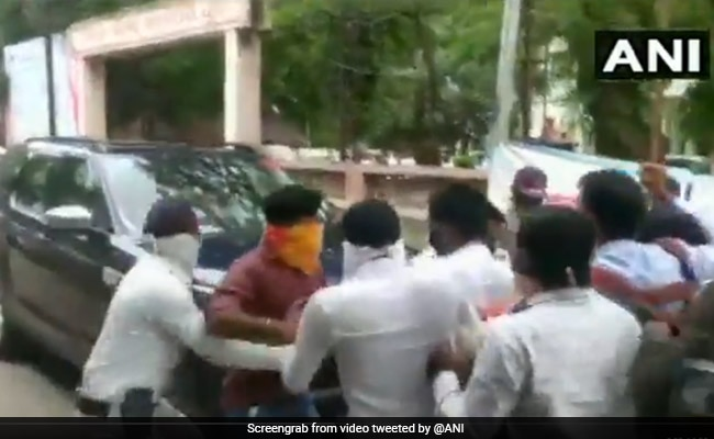 ABVP Activists Try To Stop Maharashtra Minister's Car; Cane-Charged