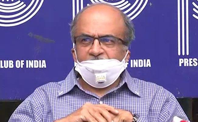प्रशांत भूषण के खिलाफ 11 साल पुराने अवमानना मामले में SC ने अटॉर्नी जनरल से मांगी मदद