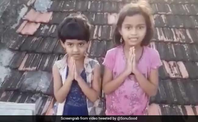 बेटियों की फीस के लिए पिता ने लगाई सोनू सूद से मदद की गुहार, तो एक्टर ने करवा दिया एडमिशन- देखें Video
