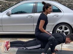 "The ROFL Reason Why Push-Ups Are Priyanka Chopra's ""Favourite Exercise"""