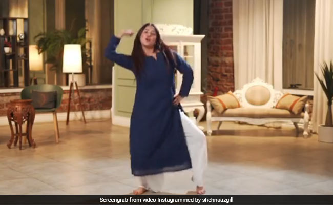 शहनाज गिल ने 'ये देश है वीर जवानों का' पर किया शानदार डांस, Video शेयर कर बोलीं- ये मेरा देश है और...