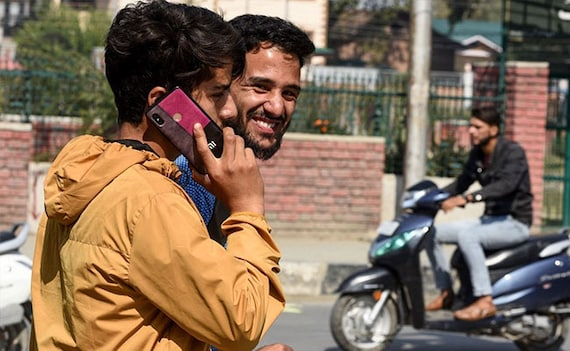 Centre Allows 4G On Trial Basis In 2 Districts In J&K After August 15