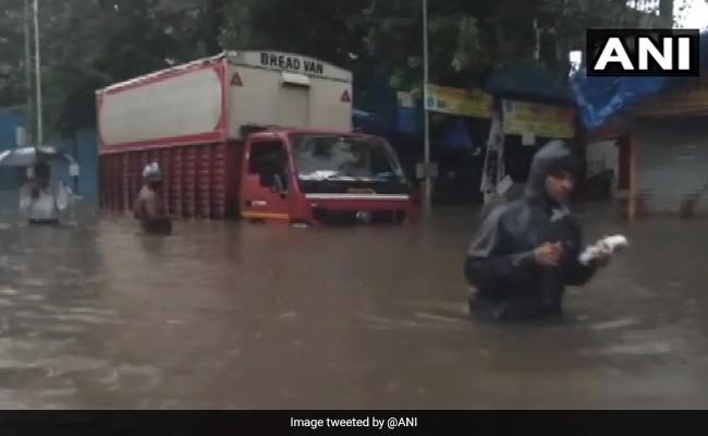 Mumbai Rain LIVE Updates: Heavy Rain In City Leads To Waterlogging; Red Alert For 2 Days
