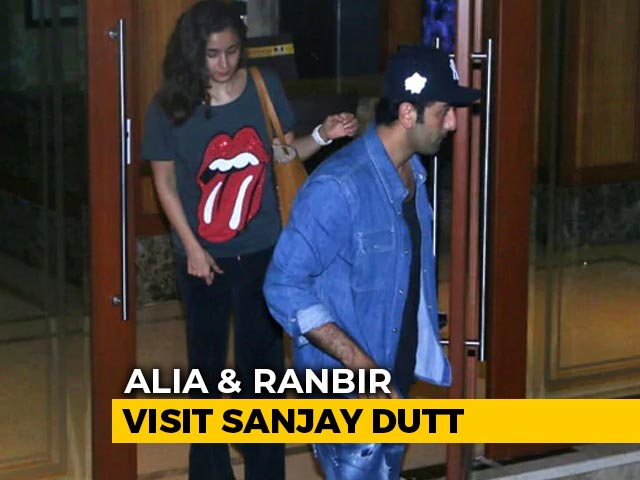Alia Bhatt And Ranbir Kapoor Visit Sanjay Dutt At Home