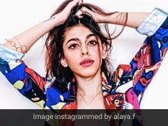 Alaya Furniturewala Shows Her Funky Side In A Quirky Printed Jacket