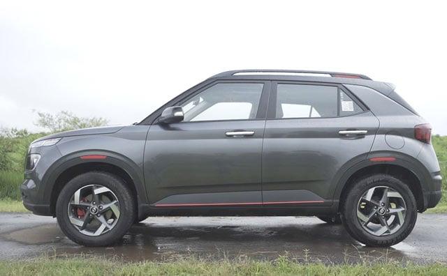 Videos : Hyundai Venue IMT Review in हिंदी, Automatic या AMT से कितनी है अलग?