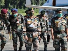 सेना प्रमुख जनरल मनोज मुकुंद नरवणे ने तेजपुर स्थित चौथी कोर मुख्यालय का किया दौरा