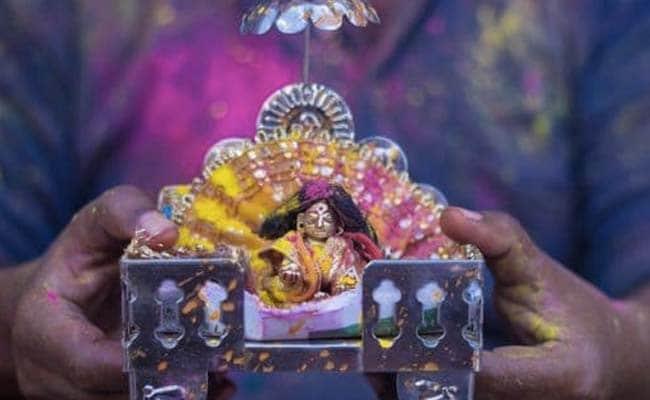 राम जन्मभूमि के बाद कृष्ण जन्मभूमि का मामला पहुंचा कोर्ट, शाही ईदगाह मस्जिद हटाने की मांग