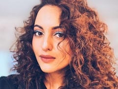 Sonakshi Sinha's Friends Have A Field Day Over Her Curly Haired Selfie