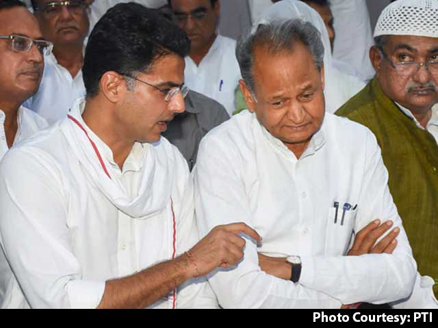 Video : Sachin Pilot, Ashok Gehlot Face-To-Face At Congress Meeting