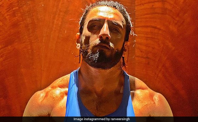 Whoa. Here's What Ranveer Singh Looks Like These Days. Because, 'Kaam Dhanda Nahi Hai'