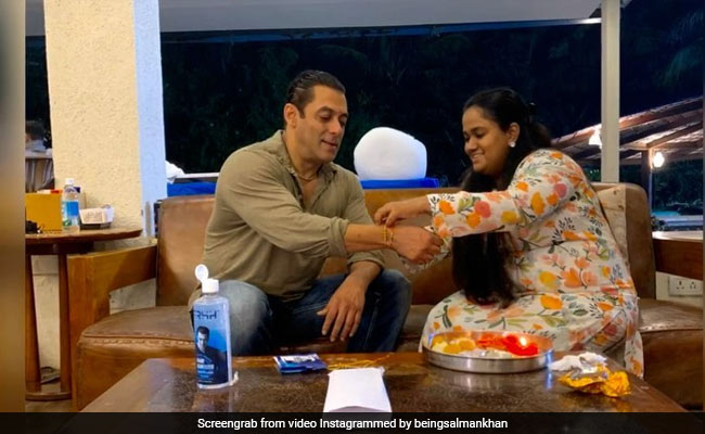 ICYMI: This Is How Much Fun Salman Khan And Family Had On Raksha Bandhan This Year