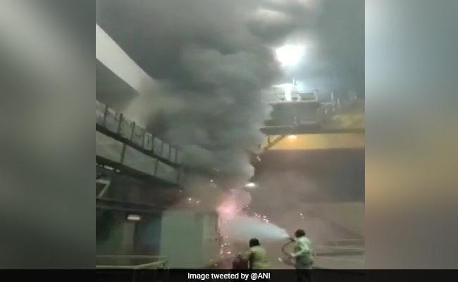 தெலுங்கானாவில் நீர்மின் நிலையத்தில் தீ விபத்து: 9 பேர் சடலமாக மீட்பு!