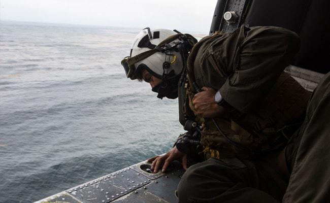 यूएस ने 7 मिसिंग मरीन, नाविक के लिए खोज समाप्त की, मृत घोषित कर दिया