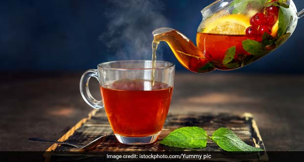 5 Floral Herbal Teas For Your Evening Tea Sessions During Monsoon