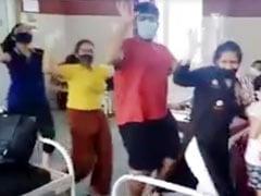 रिपोर्ट आई निगेटिव तो कोविड सेंटर में लड़की ने किया सुशांत सिंह राजपूत के गाने पर धमाकेदार डांस, देखें Viral Video