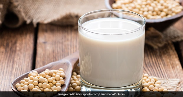 High-Protein Diet: How To Make Soya Milk At Home For Weight Loss
