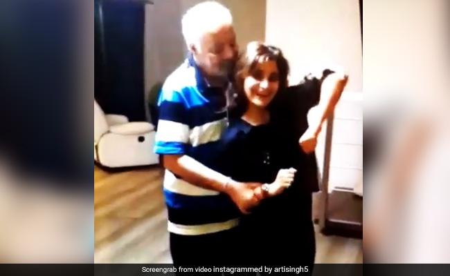 आरती सिंह ने पिता के साथ सलमान खान के गाने पर यूं किया जबरदस्त डांस, Video ने मचाई धूम