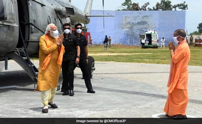 PM मोदी के नाम बदलने से ट्विटर पर ट्रेंड करने लगे