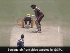 CPL 2020: किरोन पोलार्ड ने एक हाथ से जड़ा धुआंधार छक्का, देखता रह गया गेंदबाज़ - देखें Video