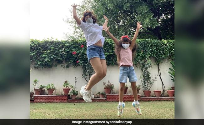 ताहिरा कश्यप और बेटी वरुष्का की 'नो फिल्टर' संडे से बस कुछ तस्वीरें