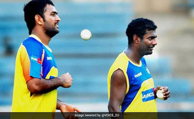 IPL 2020 MS Dhoni Appreciate Bowlers For Good Bowling Even If They're Being Hit For A Six says Muttiah Muralithara