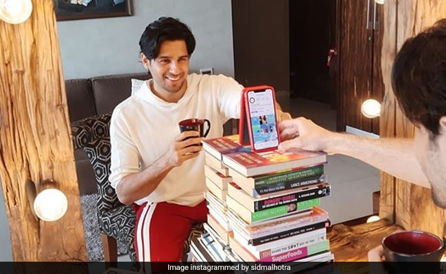 In Rumoured Boyfriend Sidharth Malhotra's Work From Home Setup, Kiara Advani Couldn't Help But Notice This
