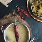 How To Make Bengali-Style Biuli'r Dal (Urad Dal) For A Happy Meal