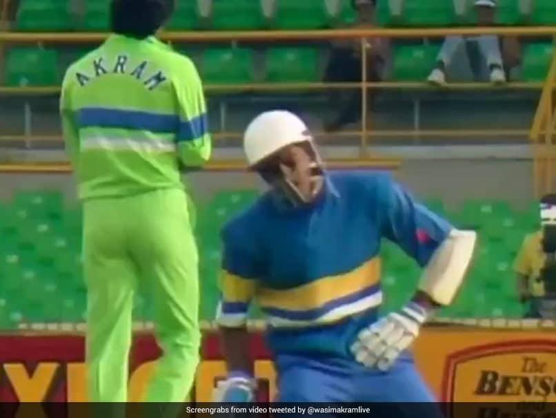 When Wasim Akram Hit Roshan Mahanama In The Box, Twice In Two Balls. Watch