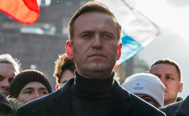 Kremlin Wishes Critic Alexei Navalny