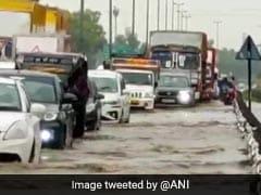 बारिश से गुरुग्राम की हालत हुई खराब तो कुमार विश्वास बोले- अब तो नाम भी बदल लिया लेकिन..