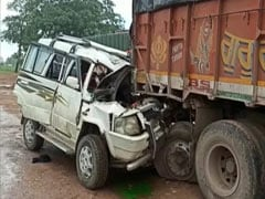 4 Dead, 5 Injured After Car Rams Truck In Chhattisgarh