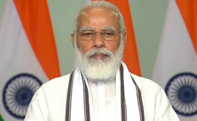 PM Modi, Others Pay Homage To Spiritual Leader Sree Narayana Guru On His  Birth Anniversary