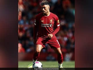 Liverpools Alex Oxlade-Chamberlain To Miss Community Shield Due To Knee Injury
