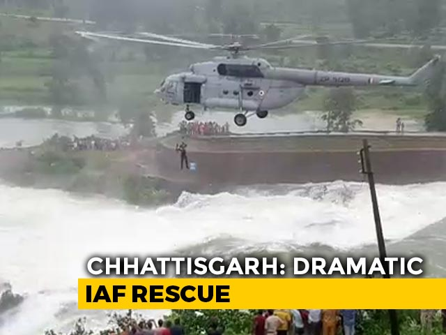 Video : Watch: IAF's Dramatic Rescue Of Man Holding On To Tree At Overflowing Dam