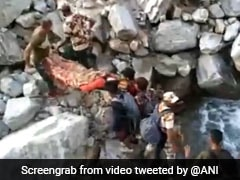 Security Personnel Carry Woman For 15 Hours In Uttarakhand Rescue Operation